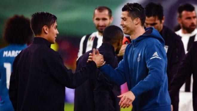 Dybala y Cristiano durante un encuentro de Champions League entre...