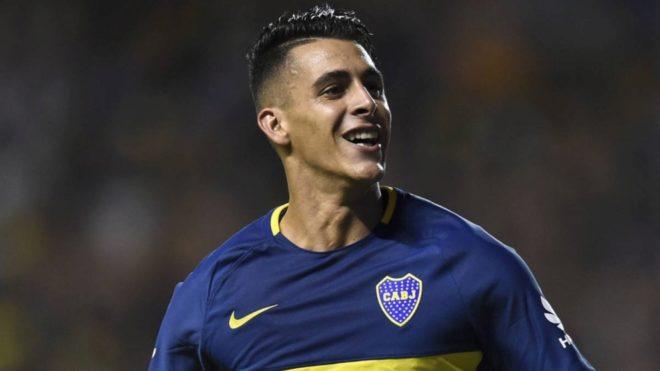 Cristian Pavón festeja un gol de Boca