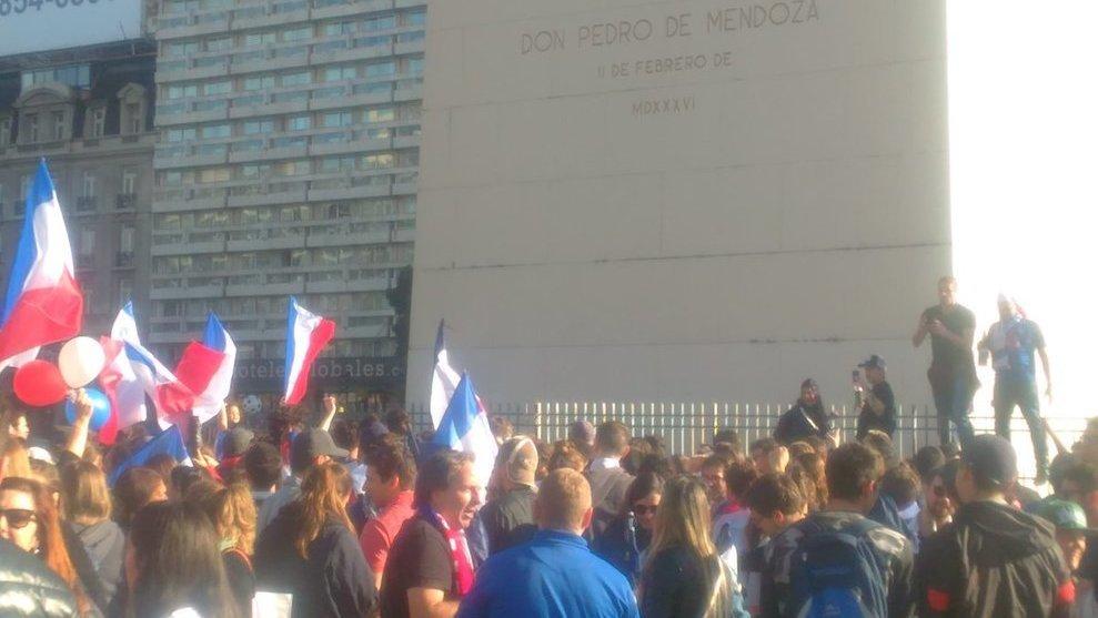 El Obelisco fue el centro de los festejos franceses en Buenos Aires
