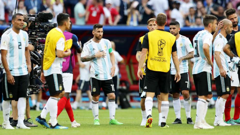 Los jugadores argentinos tras caer en octavos contra Francia.