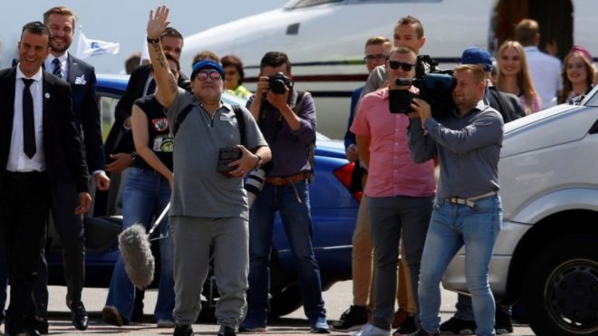 El show de Maradona en su primer día como presidente
