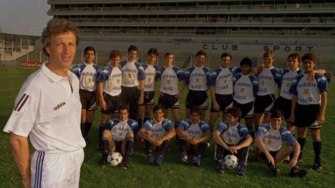 Pékerman con el seleccionado Sub 17, en 1995