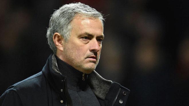 Mourinho, entrenador del Manchester United inglés.