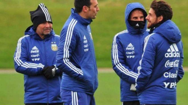 Scaloni y Aimar en un entrenamiento de la selección argentina
