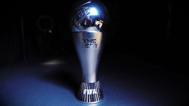 El trofeo de 'The Best'.