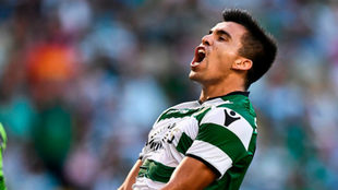 Marcos Acuña festeja un gol en Sporting Lisboa