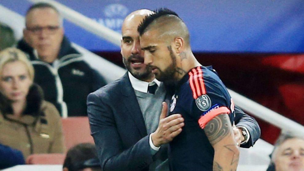 Pep Guardiola y Arturo Vidal compartieron tiempo en el Bayern Múnich
