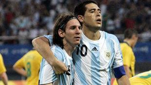 Messi y Riquelme en los Juegos Olímpicos 2008.