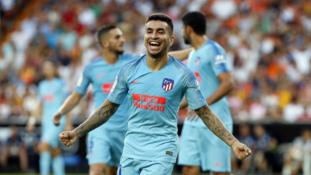 Correa celebra su gol en Mestalla.