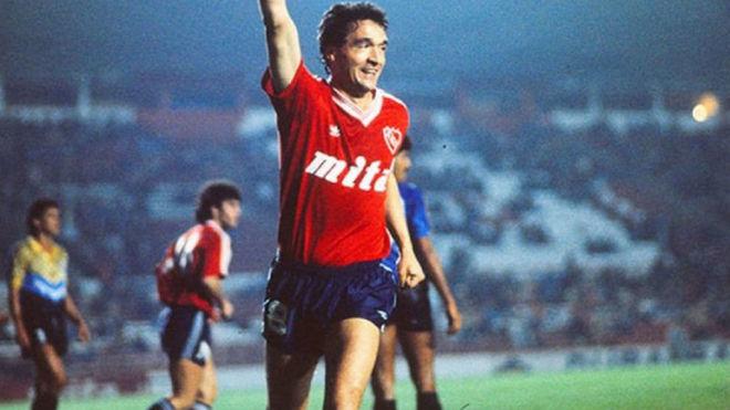 José Bianco festeja su gol en la Doble Visera, en octavos de la...