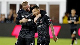 Rooney y Acosta, una pareja que disfruta DC United