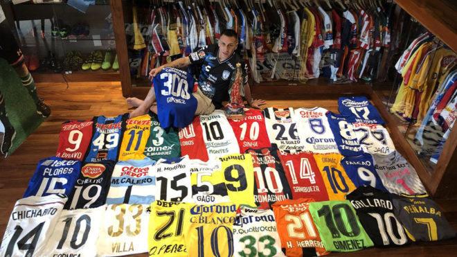 4f1e02baf Chaco' Giménez presume de su colección de camisetas | MARCA Claro ...