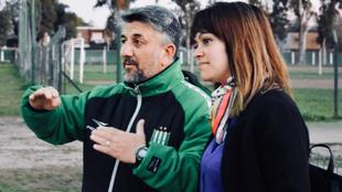 Lucía Barbuto, de 33 años, busca hacer historia en el fútbol...
