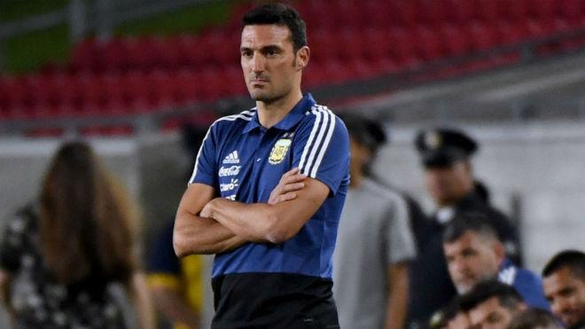 Scaloni duda entre Dybala y Palacios para enfrentar a Colombia