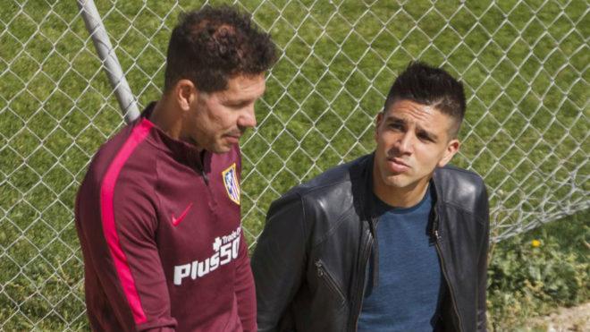 Diego y Gio Simeone, durante un entrenamiento del Aleti