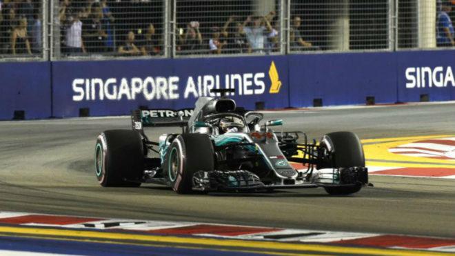 Lewis Hamilton ganó de punta a punta la carrera en Singapur