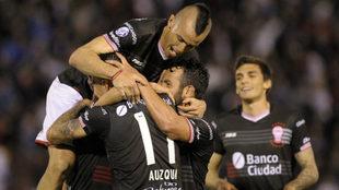 El Globo celebra su segunda victoria en el torneo