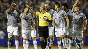 Todo Cruzeiro se quejó de la expulsión de Dedé.
