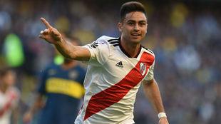 Pity Martínez se despachó con un golazo en el Superclásico