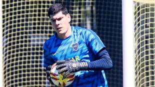 Carlos Lampe en su primer entrenamiento en Boca