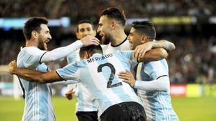 El festejo tras el gol de Gabriel Mercado