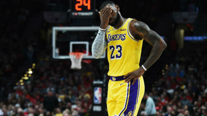 Portland amarga el debut de Lebron James con los Lakers