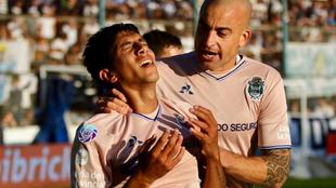 La emoción de Comba en el festejo del gol