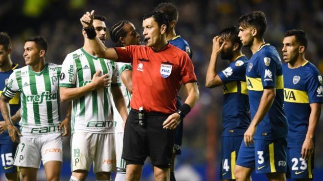 Roberto Tobar será el árbitro del Boca vs River en la ida de la...