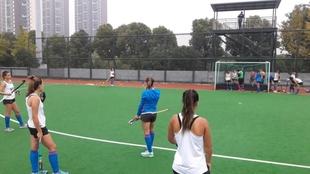 Puesta a apunto de Las Leonas en China, en la previa al Champions...