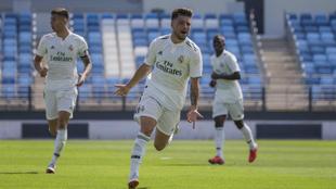 Franchu, celebra un gol con el Castilla.