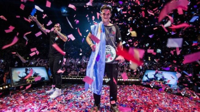 Wos se coronó campeón internacional de Red Bull Batalla de los Gallos