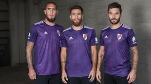 Camiseta violeta para River ante Al Ain
