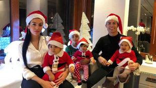 Cristiano Ronaldo y familia.