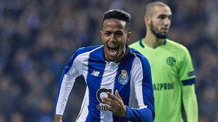 Militao, celebrando un gol ante el Schalke 04.