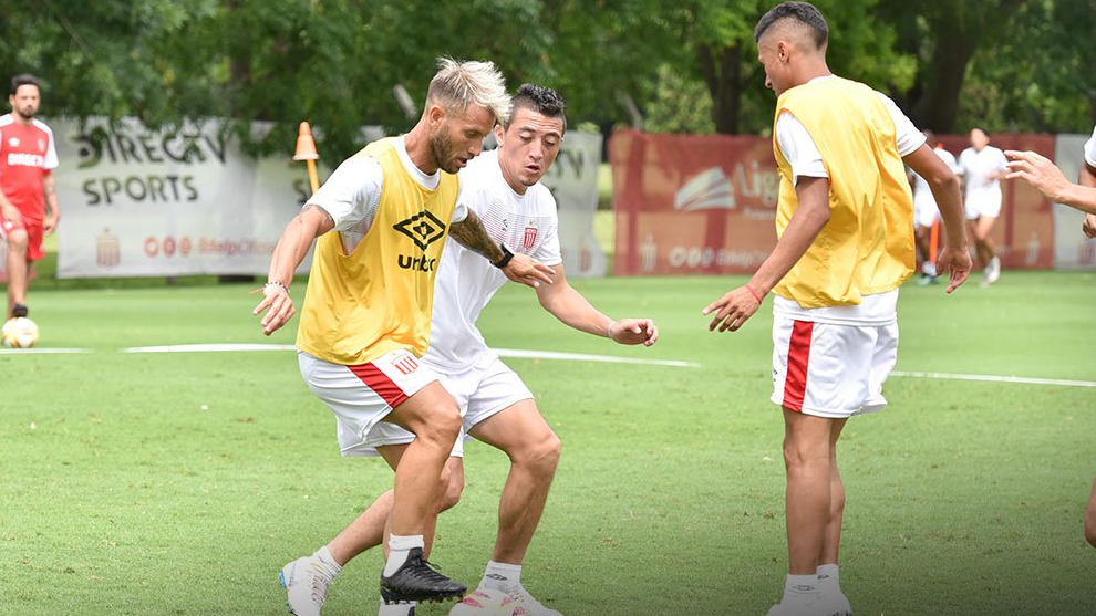 Estudiantes se entrena en el Country City Bell