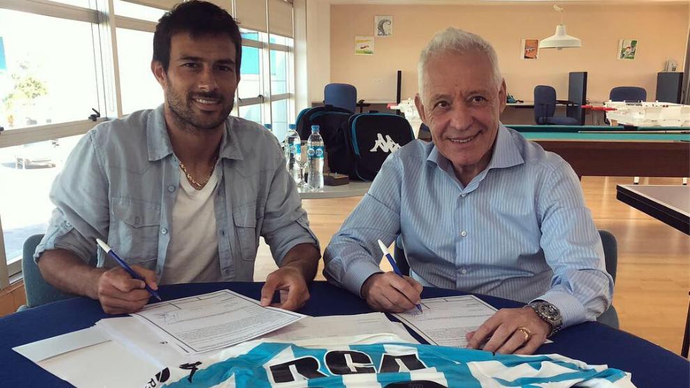 Cvitanich y Blanco a la hora de firmar el contrato