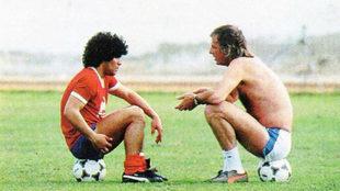 Diego Maradona, en sus comienzos, con Menotti.