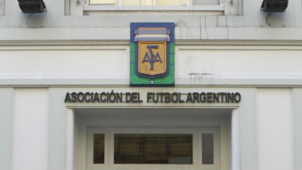 En mitad del torneo, AFA decide que habrá un ascenso más en la Primera C |  MARCA Claro Argentina