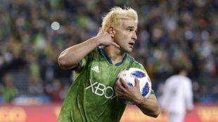 Nicolás Lodeiro, el futbolista uruguayo que juega en Seattle Sounders...