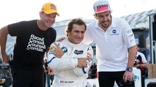 Zanardi, junto a Barrichello y Alonso, durante las 24 horas de Daytona...