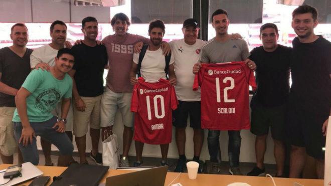 Scaloni y Aimar presenciaron el entrenamiento de Independiente