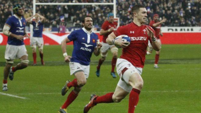 Gales derrota a Francia en París, por 24-19.