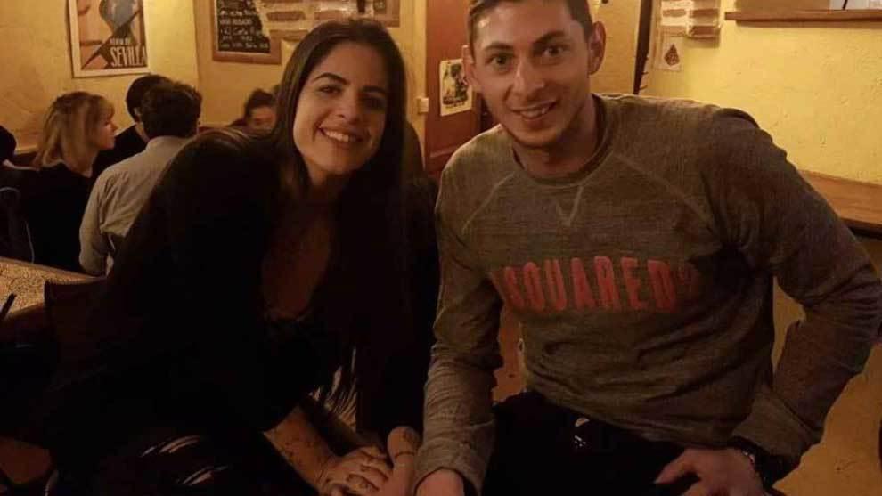 Luiza Ungerer posando con Emiliano Sala.