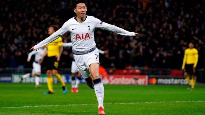 Son celebra su gol al Dortmund.