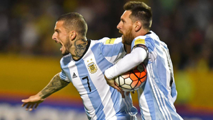 Benedetto-Messi, una dupla que puede volver a darse en Argentina