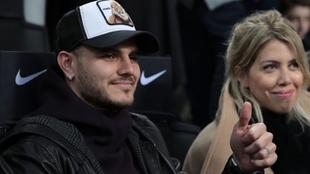 Mauro Icardi y Wanda Nara, presentes en el partido del Inter