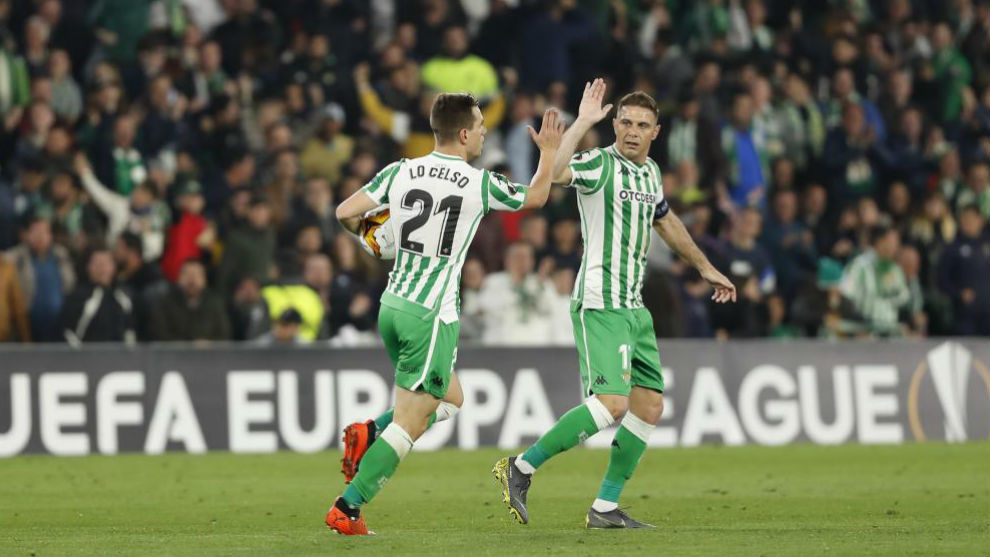 Lo Celso celebra su gol con Joaquín.