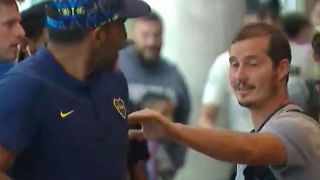 Wanchope le pegó a un santiagueño hincha de River - Deportivo