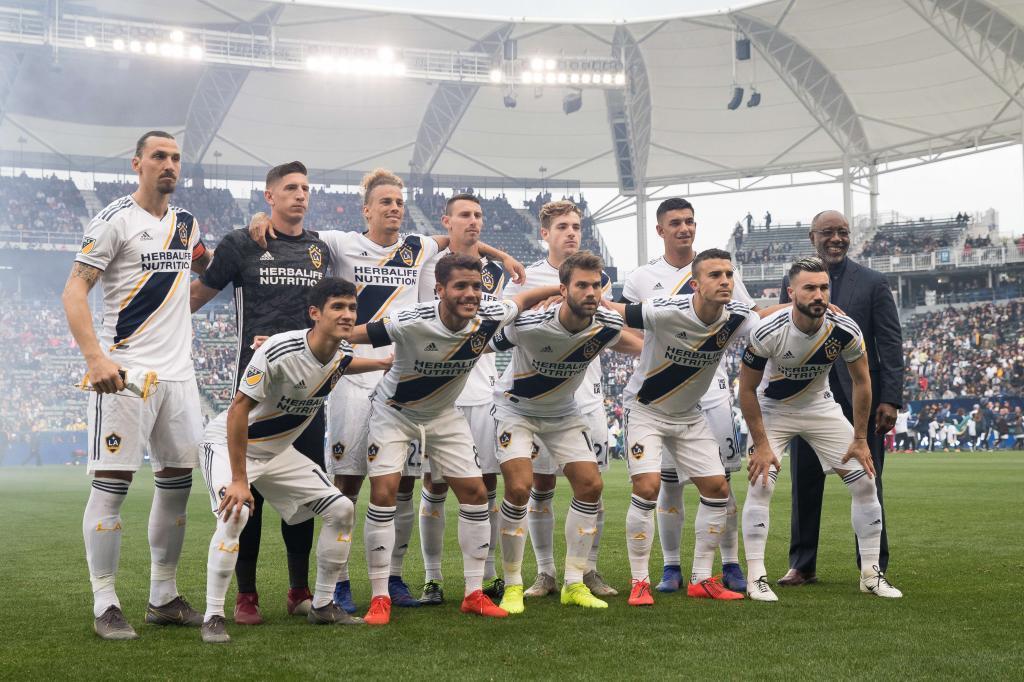 Espectacular debut de Efrain Álvarez con el Galaxy