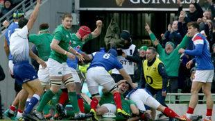 Try de Rory Best en el partido entre Irlanda y Francia de este domingo